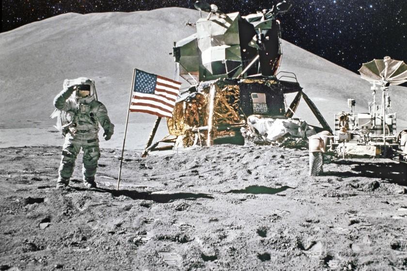 Apollo-ს მისია მთვარეზე