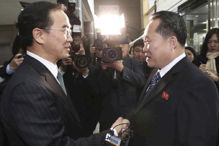 სამხრეთ და ჩრდილოეთ კორეის  დელეგაციის ხელმძღვანელები