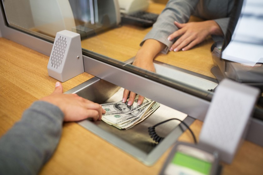მარტში კომერციული ბანკების მოგება შემცირდა
