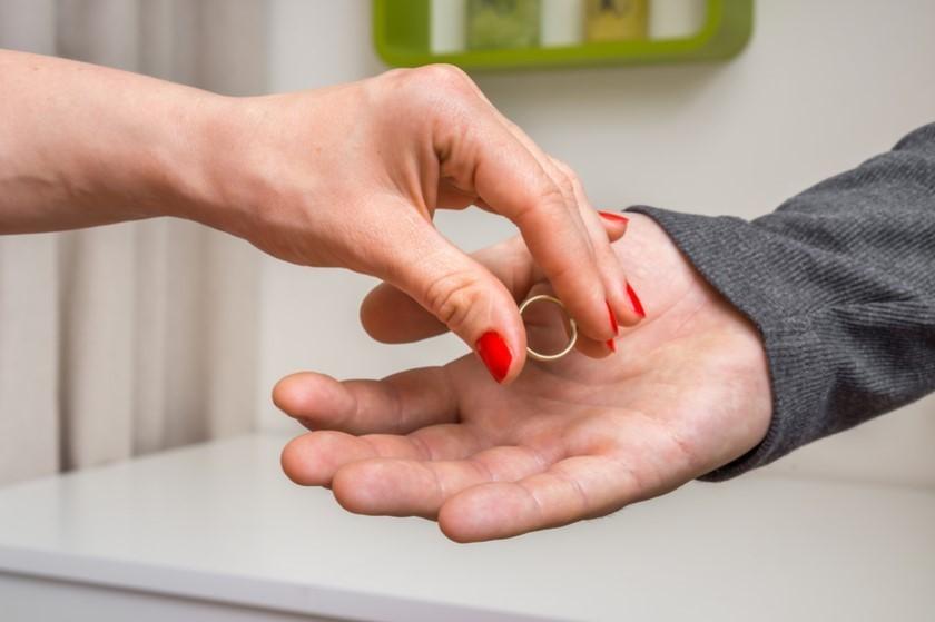 იურისტები განმარტავენ, რა სახის ქონებას ვერ გაიყოფს წყვილი განქორწინებისას