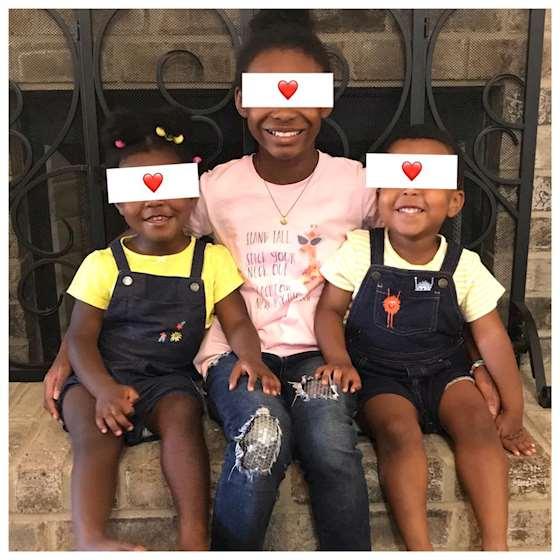პეიჯ და დენიელ ზეზულკები შვილებთან ერთად