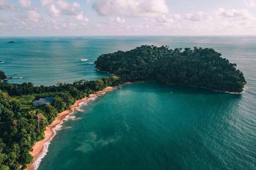 Manuel Antonio Beach-ი