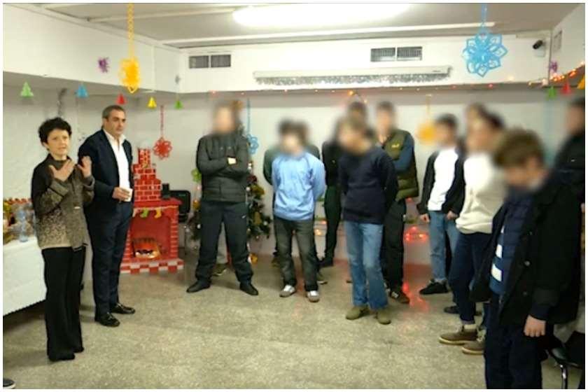 იუსტიციის მინისტრი არასრულწლოვან მსჯავრდებულებულებთან ერთად
