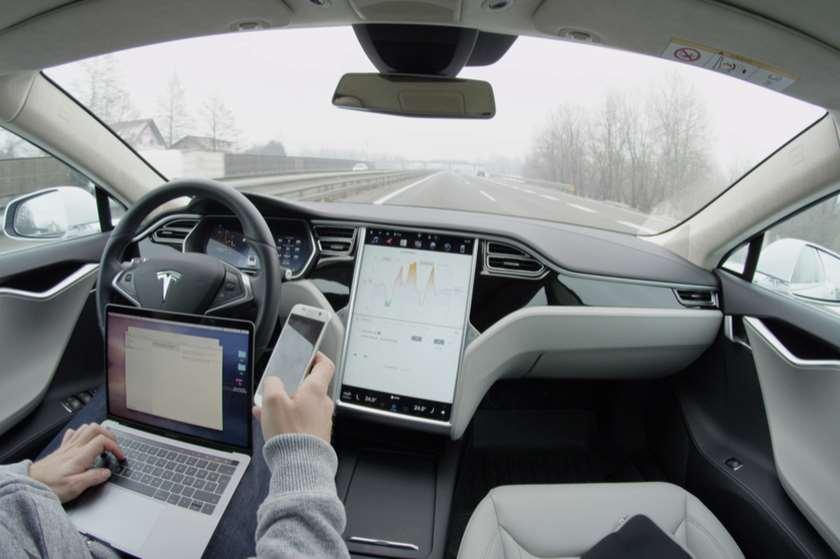 Tesla ავტოპილოტი