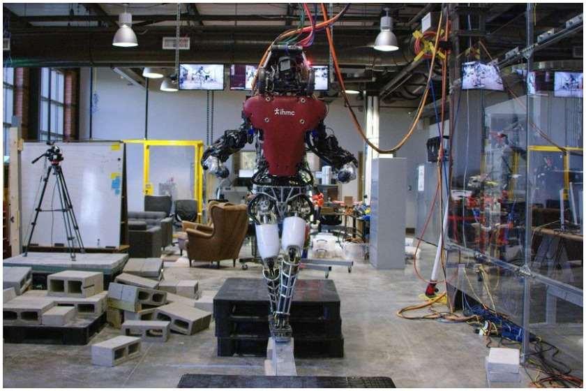 ადამიანუი უნარჩვევების რობოტი