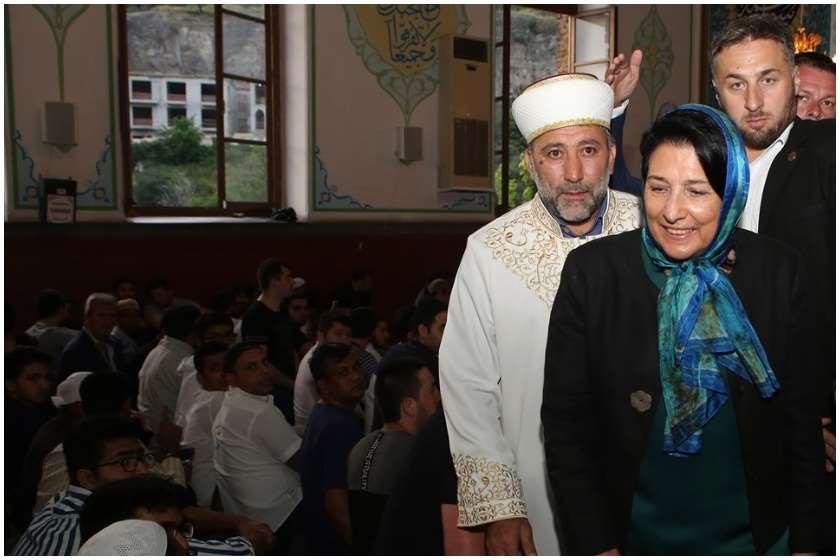 სალომე ზურაბიშვილი ჯუმა მეჩეთში