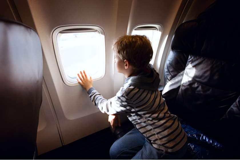არასრულწლოვანი თვითმფრინავში
