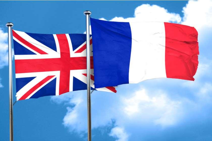 დიდი ბრიტანეთის დროშა საფრანგეთის დროშა
