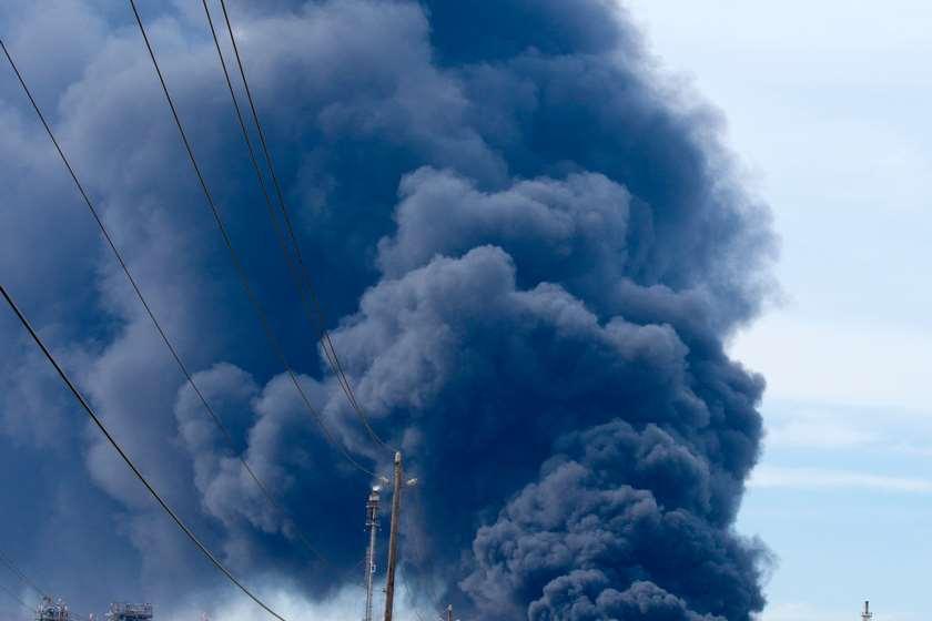 აფეთქება ნავთობტერმინალებზე