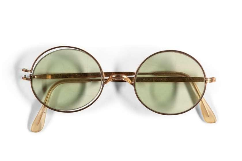 ჯონ ლენონის სათვალე