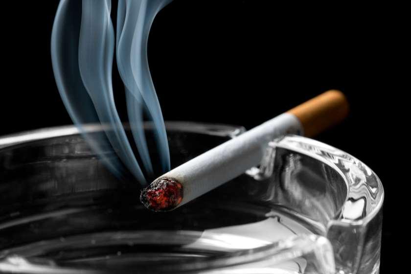 საფერფლე მოწევა მწეველი