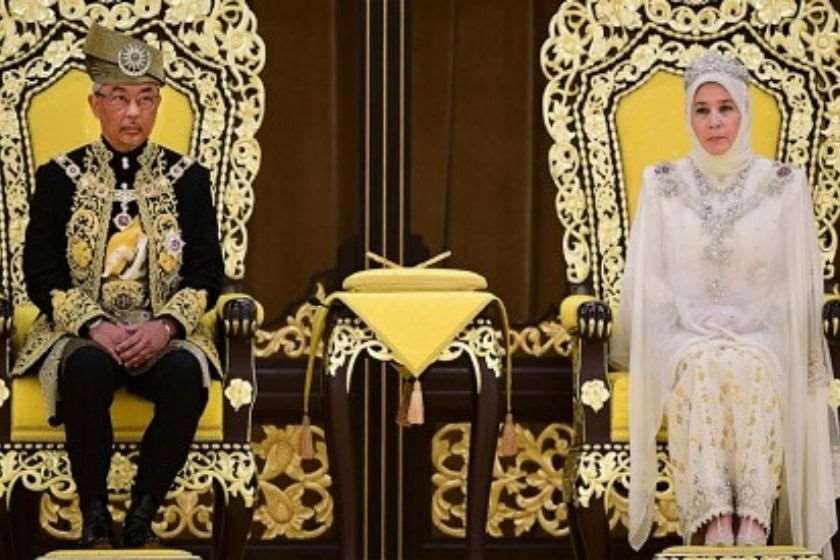 მედე სულთანი  და დედოფალი აზიზა