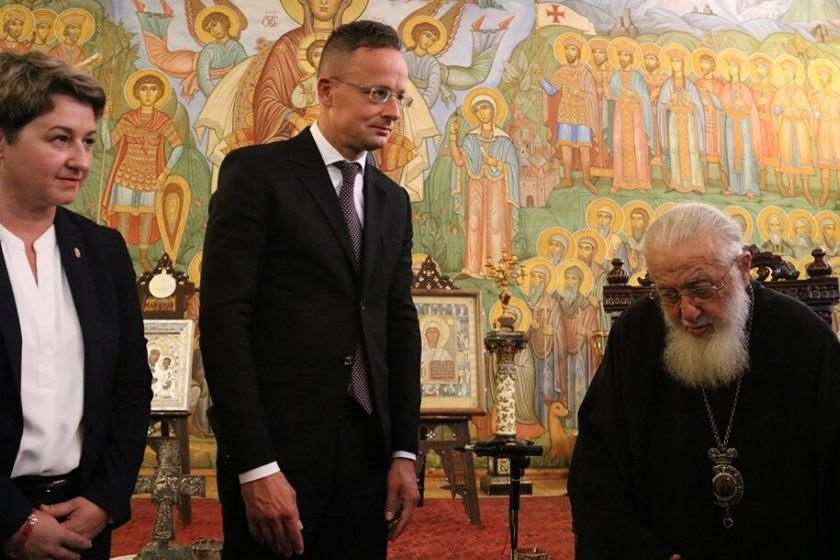 ვიქტორია ჰორვატი; პიტერ სიიარტო; კათოლიკოს-პატრიარქი, ილია მეორე