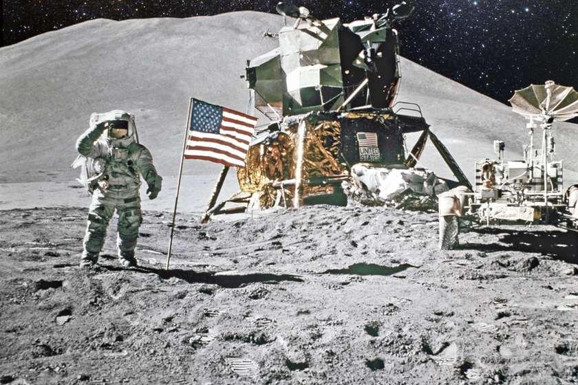 მთვარე ნასა ასტრონავტი