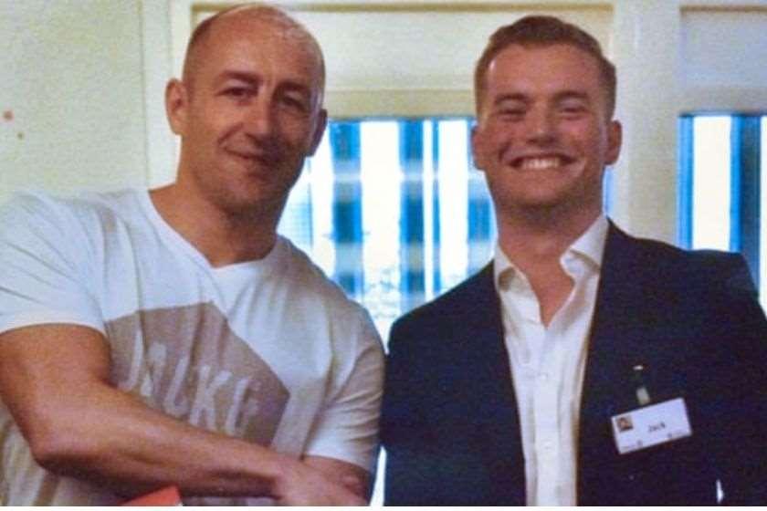 სტივენ გალანტი (მარცხნივ)