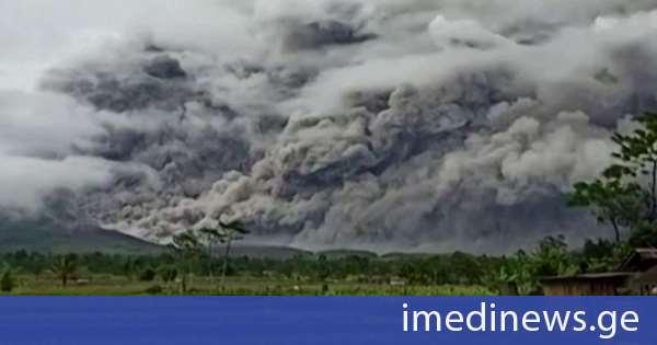 მიწისძვრის შემდეგ, ინდონეზიაში ვულკანიც ამოიფრქვა